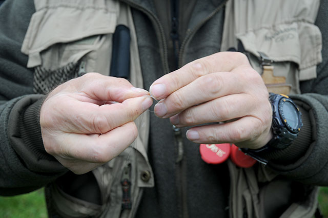 Andy Hathaway tying knots with his hands
